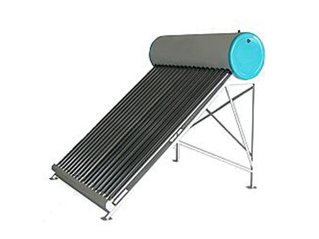 Un pannello solare termico con accumulo